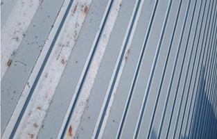 屋根材の反り